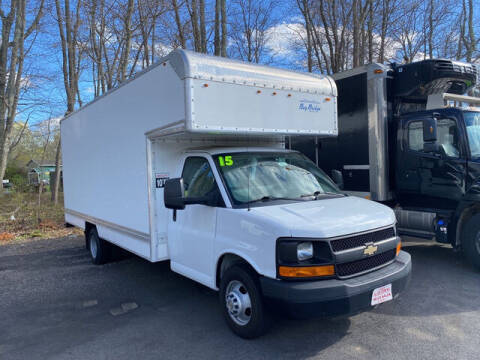 2015 Chevrolet Express Cutaway for sale at Auto Towne in Abington MA