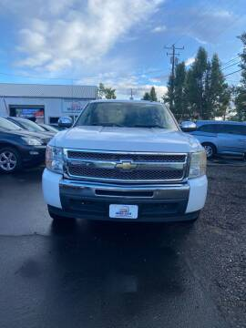 2009 Chevrolet Silverado 1500 for sale at M AND S CAR SALES LLC in Independence OR