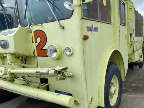 1975 Oshkosh FIRE TRUCK