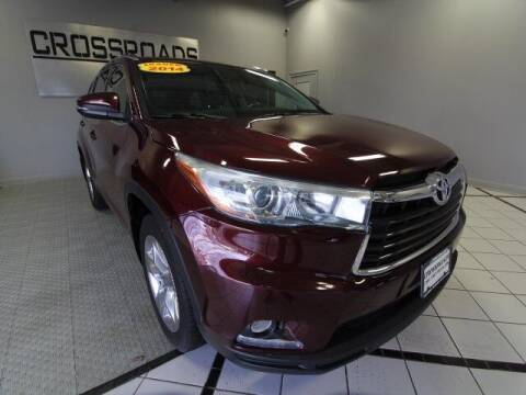 2014 Toyota Highlander for sale at Crossroads Car & Truck in Milford OH