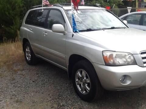 2005 Toyota Highlander for sale at Lance Motors in Monroe Township NJ