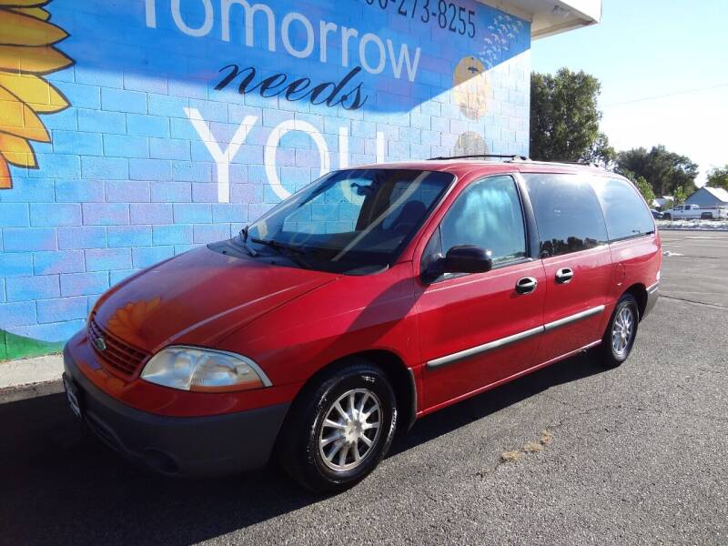 2001 Ford Windstar for sale at FINISH LINE AUTO SALES in Idaho Falls ID