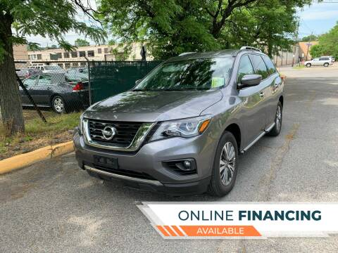 2019 Nissan Pathfinder for sale at Eastclusive Motors LLC in Hasbrouck Heights NJ