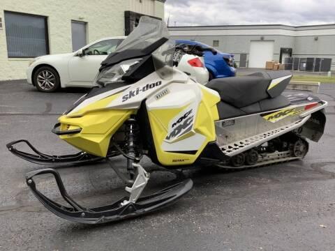2017 Ski-Doo MXZ® Sport Electric Start