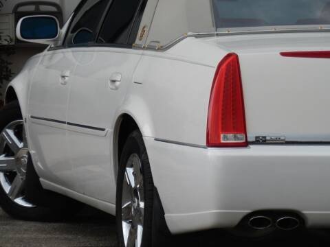 2006 Cadillac DTS for sale at Moto Zone Inc in Melrose Park IL