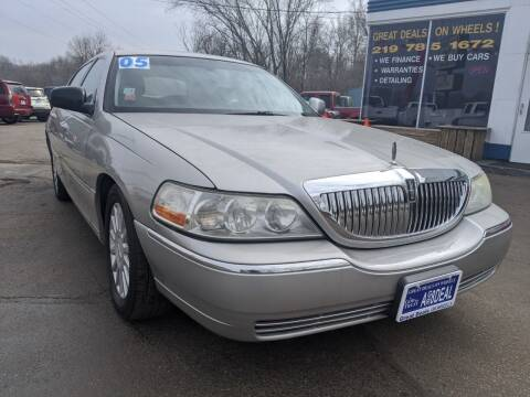 2005 Lincoln Town Car for sale at GREAT DEALS ON WHEELS in Michigan City IN