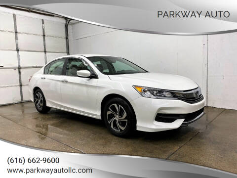 2017 Honda Accord for sale at PARKWAY AUTO in Hudsonville MI