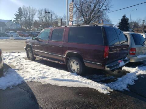 1998 Chevrolet Suburban for sale at Geareys Auto Sales of Sioux Falls, LLC in Sioux Falls SD