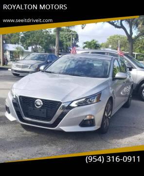 2019 Nissan Altima for sale at ROYALTON MOTORS in Plantation FL