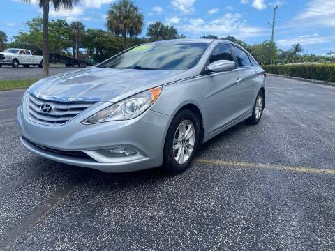 2013 Hyundai Sonata for sale at Lamberti Auto Collection in Plantation FL