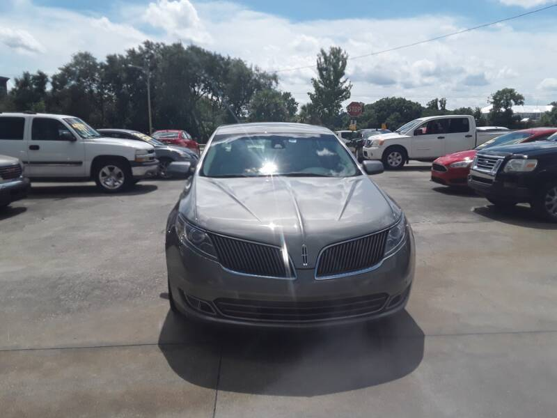 2015 Lincoln MKS for sale at FAMILY AUTO BROKERS in Longwood FL
