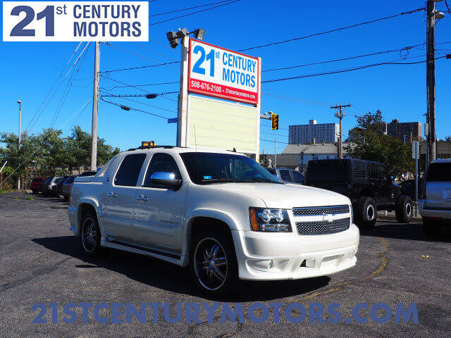 2013 Chevrolet Avalanche for sale at 21st Century Motors in Fall River MA