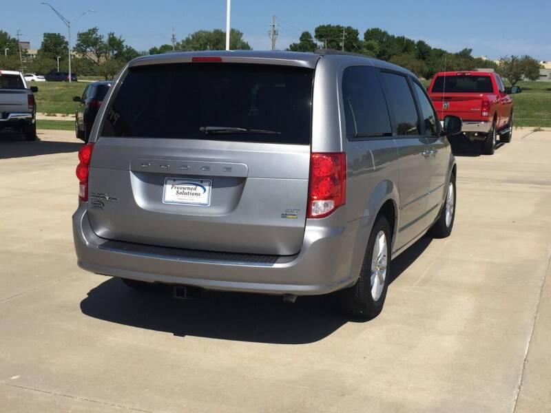2014 Dodge Grand Caravan SXT 4dr Mini-Van - Urbandale IA