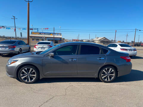 2016 Nissan Altima for sale at First Choice Auto Sales in Bakersfield CA
