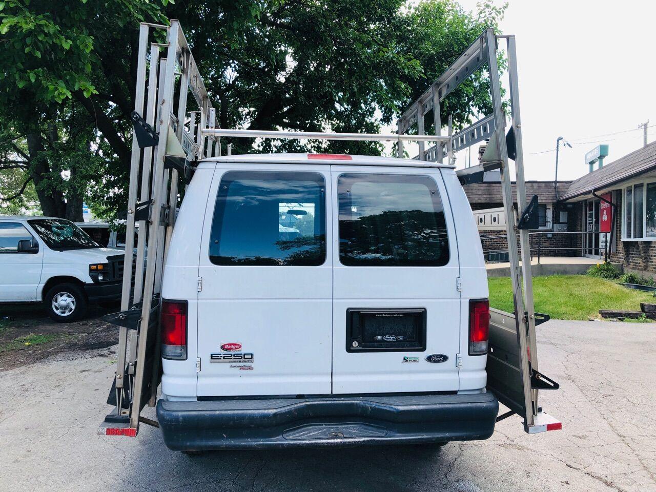 White 2011 FORD E-SERIES CARGO for sale in Bridgeview, IL Photo 6
