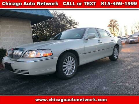 2005 Lincoln Town Car for sale at Chicago Auto Network in Mokena IL