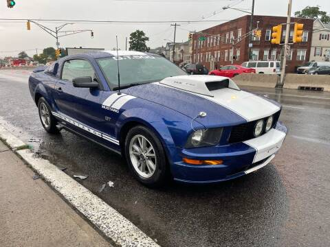 2005 Ford Mustang for sale at G1 AUTO SALES II in Elizabeth NJ