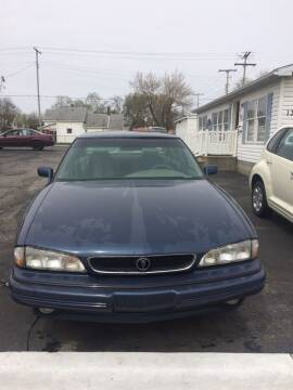 1994 Pontiac Bonneville for sale at Mike Hunter Auto Sales in Terre Haute IN