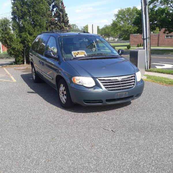2006 Chrysler Town and Country for sale at Premium Motors in Rahway NJ