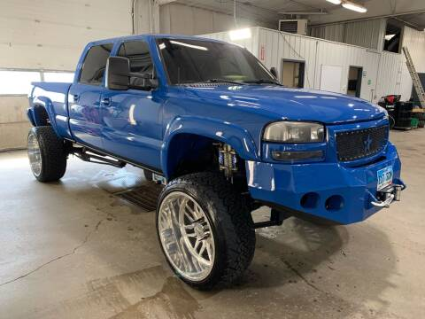 2006 GMC Sierra 2500HD for sale at Premier Auto in Sioux Falls SD