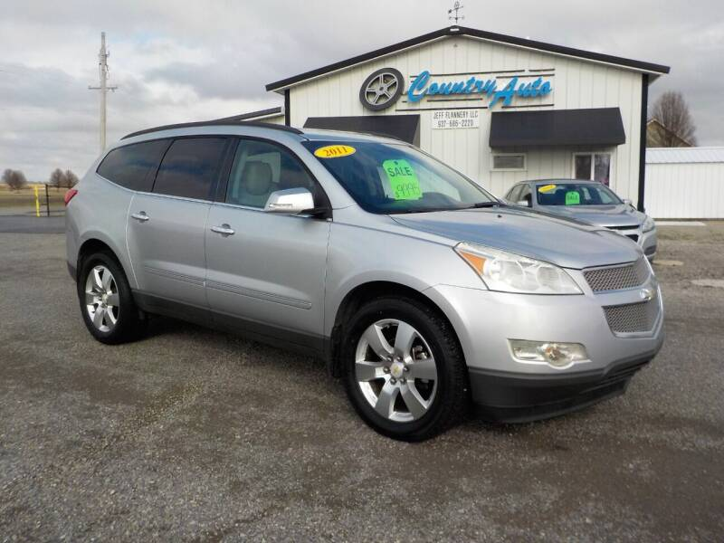 2011 Chevrolet Traverse for sale at Country Auto in Huntsville OH