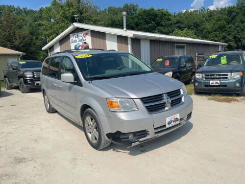 2010 Dodge Grand Caravan for sale at Victor's Auto Sales Inc. in Indianola IA