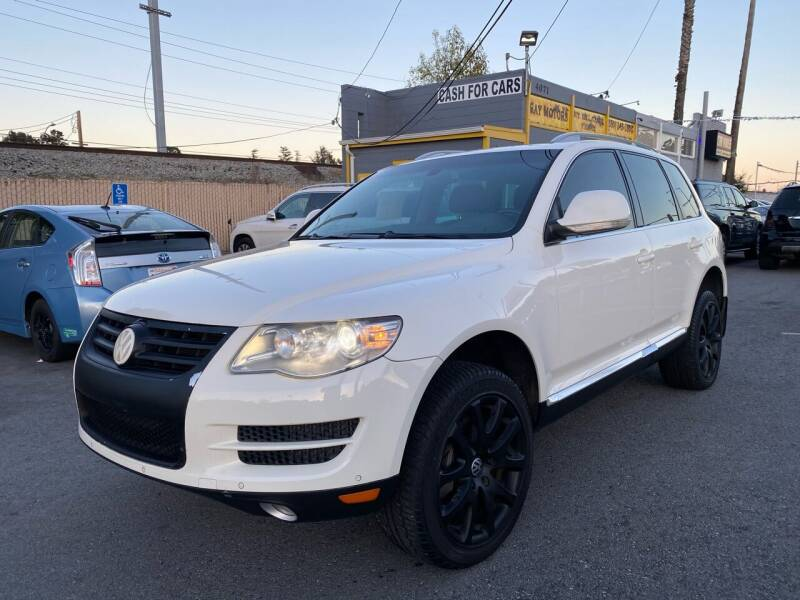 2009 Volkswagen Touareg 2 for sale at Car House in San Mateo CA