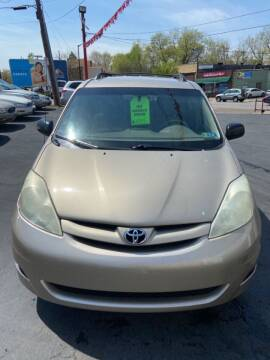 2006 Toyota Sienna for sale at North Hill Auto Sales in Akron OH