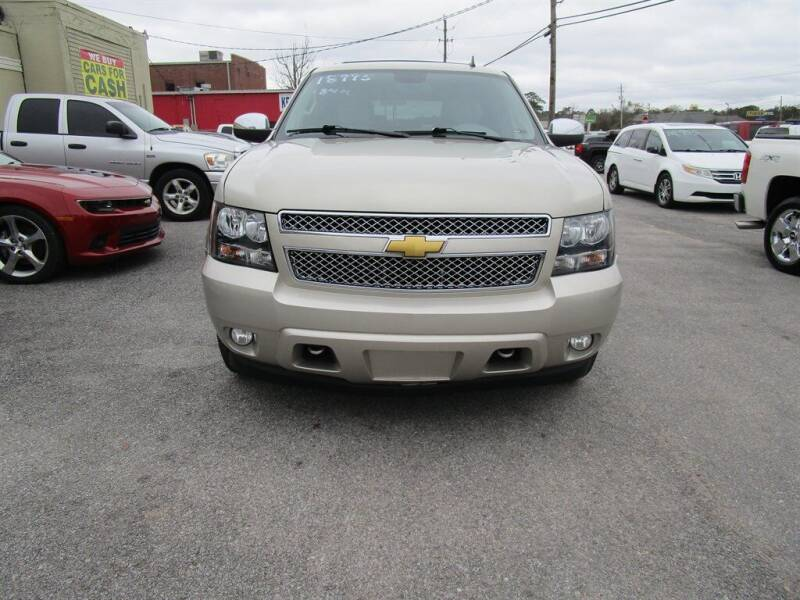 2014 Chevrolet Tahoe for sale at DERIK HARE in Milton FL