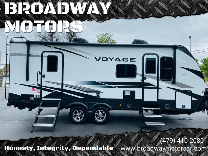 2021 Winnebago VAOYAGE 2427RB for sale at BROADWAY MOTORS in Van Buren AR