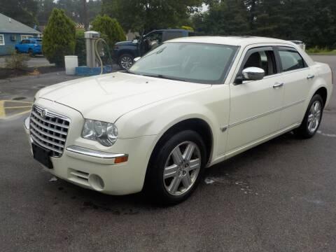 2006 Chrysler 300 for sale at RTE 123 Village Auto Sales Inc. in Attleboro MA