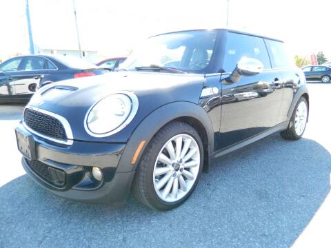 2011 MINI Cooper for sale at Auto House Of Fort Wayne in Fort Wayne IN