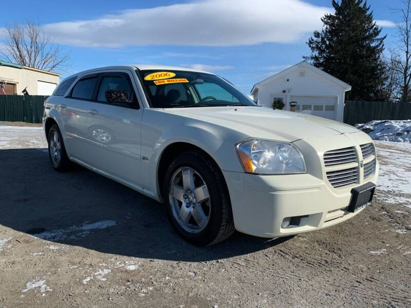 2006 Dodge Magnum for sale at E's Wheels Auto Sales in Hudson Falls NY