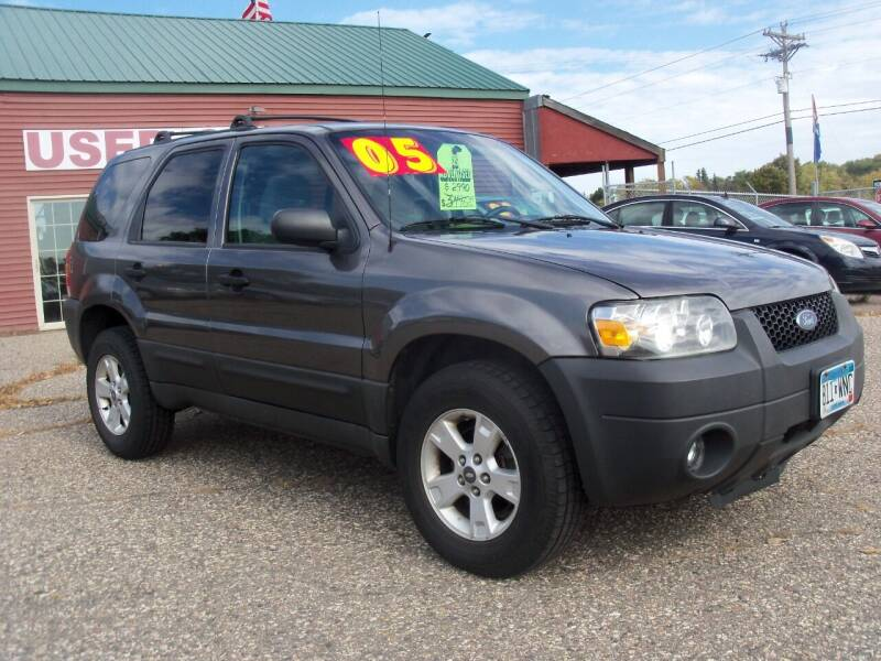 2005 Ford Escape for sale at Country Side Car Sales in Elk River MN
