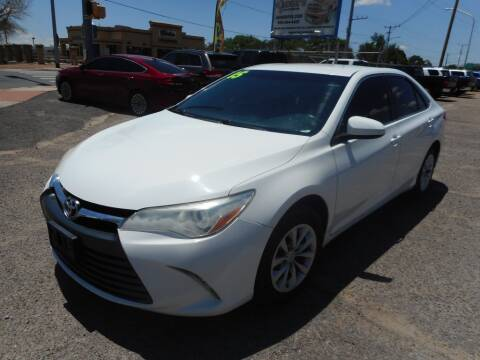 2015 Toyota Camry for sale at AUGE'S SALES AND SERVICE in Belen NM