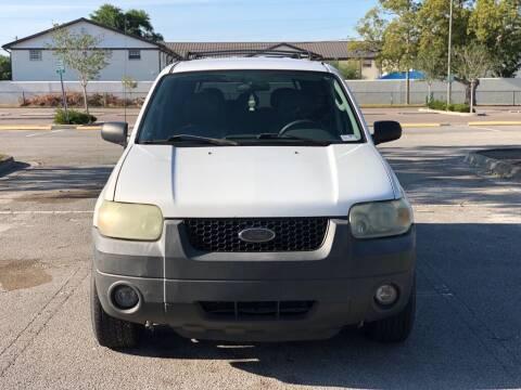 2005 Ford Escape for sale at Carlando in Lakeland FL