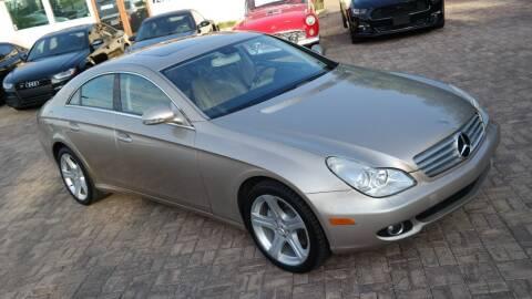 2006 Mercedes-Benz CLS for sale at Cars-KC LLC in Overland Park KS