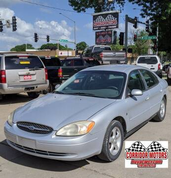 2001 Ford Taurus for sale at Corridor Motors in Cedar Rapids IA