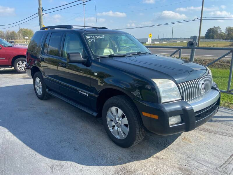 2007 Mercury Mountaineer for sale at HEDGES USED CARS in Carleton MI