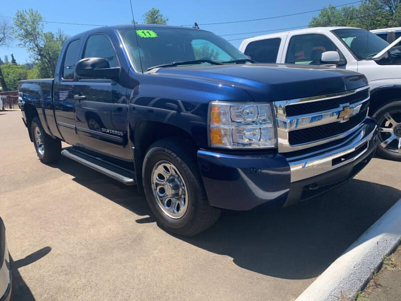 2011 Chevrolet Silverado 1500 for sale at City Center Cars and Trucks in Roseburg OR