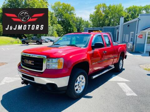 2013 GMC Sierra 2500HD for sale at J & J MOTORS in New Milford CT