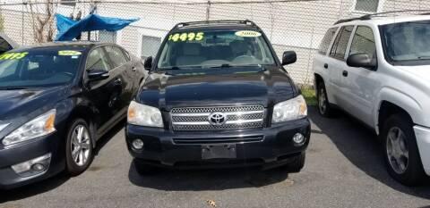 2006 Toyota Highlander Hybrid for sale at Motor City in Roxbury MA