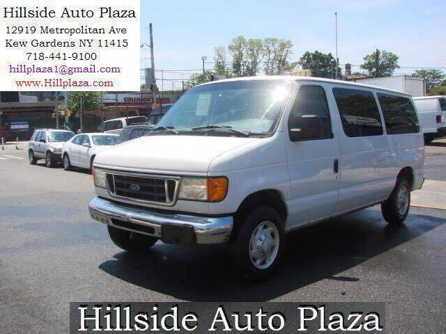 2006 Ford E-Series Wagon for sale at Hillside Auto Plaza in Kew Gardens NY
