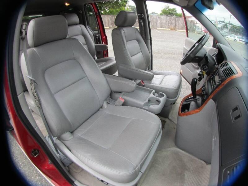2005 Kia Sedona 4dr EX Mini-Van - Charlotte NC