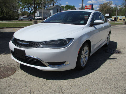 2016 Chrysler 200 for sale at Triangle Auto Sales in Elgin IL