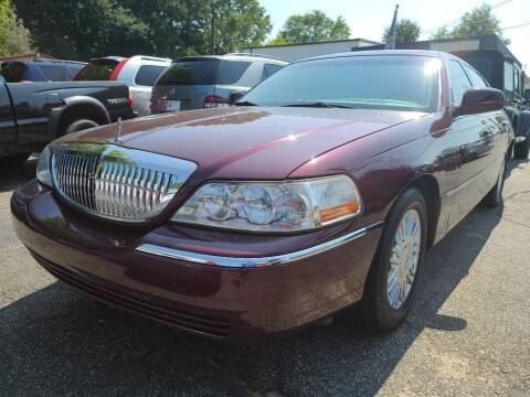 2006 Lincoln Town Car for sale at E-Motorworks in Roswell GA