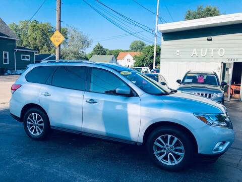 2013 Nissan Pathfinder for sale at SHEFFIELD MOTORS INC in Kenosha WI
