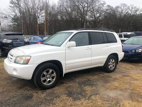 2004 Toyota Highlander for sale at Mama's Motors in Greer SC