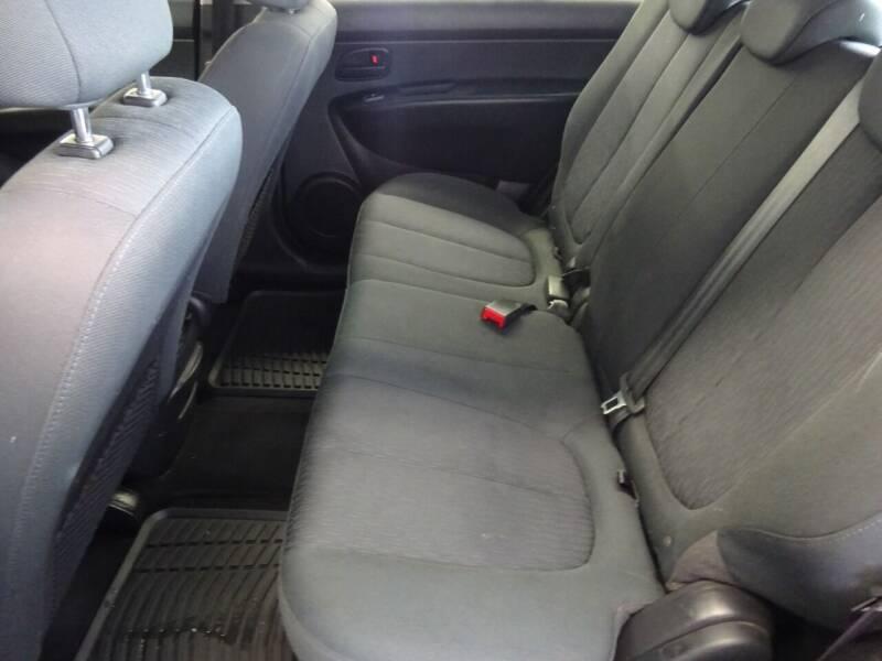 2008 Kia Rondo LX 4dr Wagon V6 - West Allis WI
