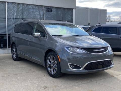 2020 Chrysler Pacifica for sale at K&M Wayland Chrysler  Dodge Jeep Ram in Wayland MI